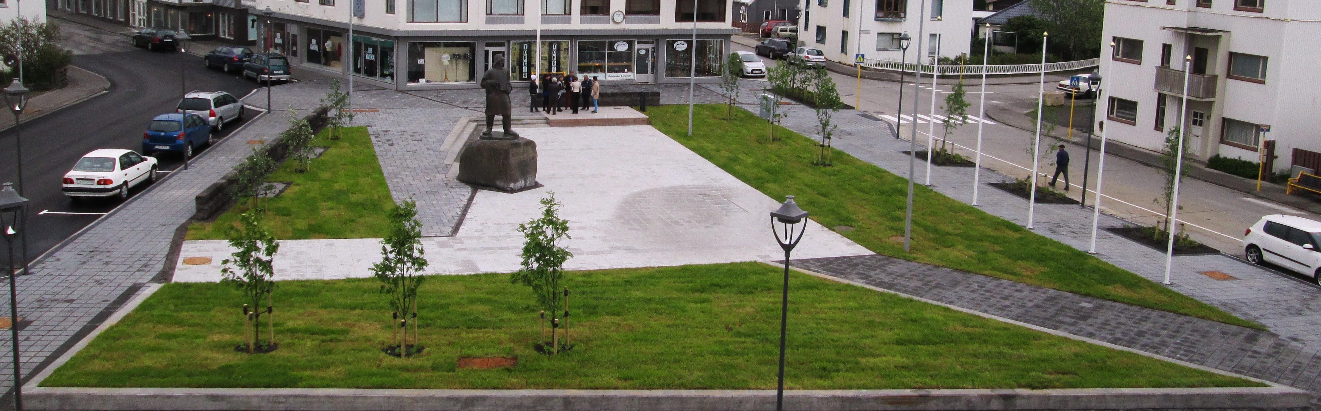 Endurbætt Akratorg verður tekið í notkun á 17. júní